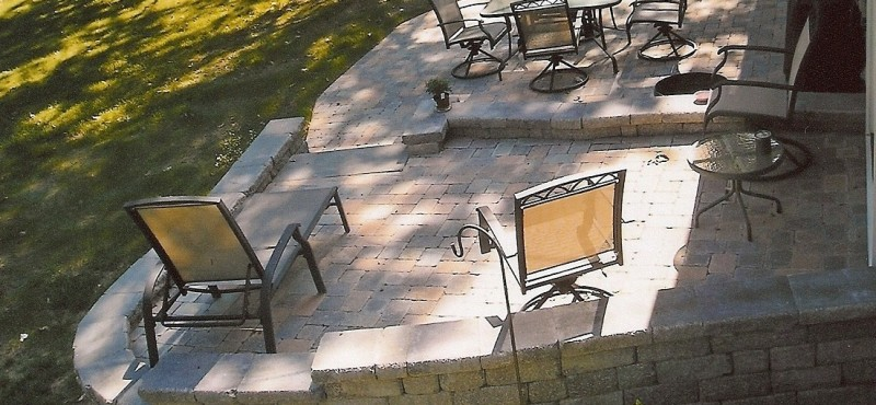 Gahanna, Multi-level paver patio