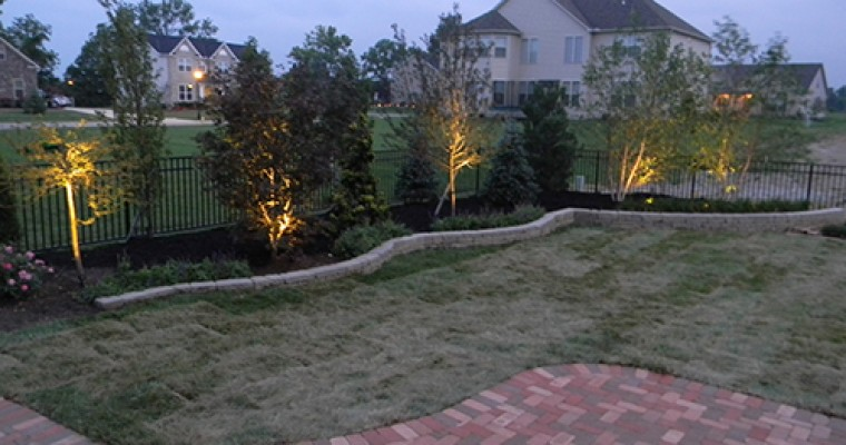 Landscaping with Outdoor Lighting
