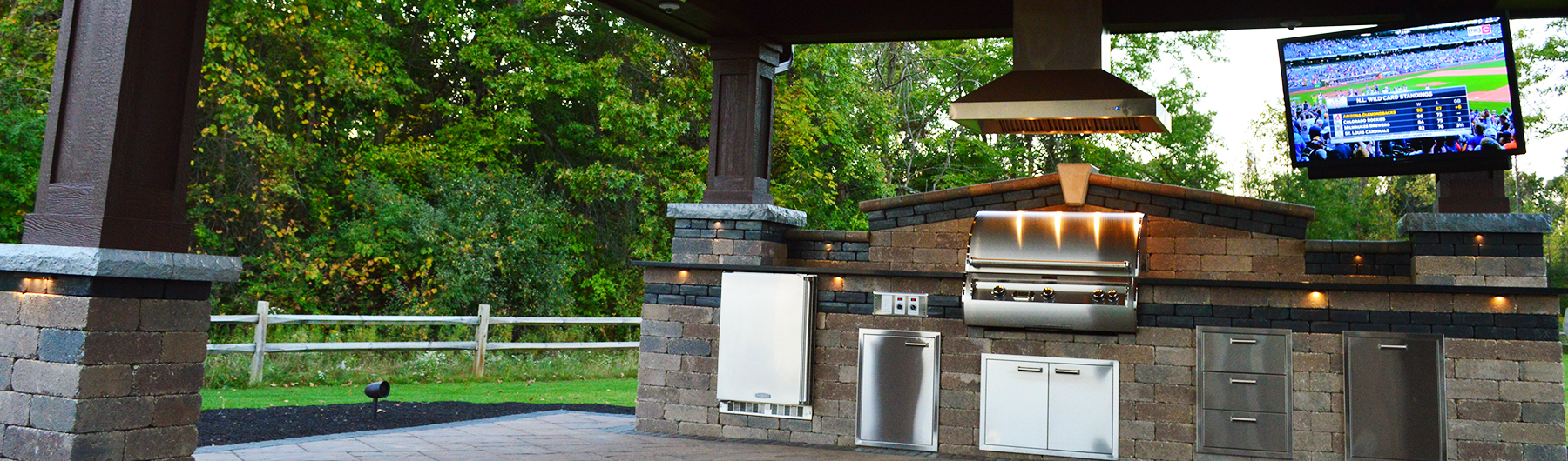 covered-outdoor-kitchen