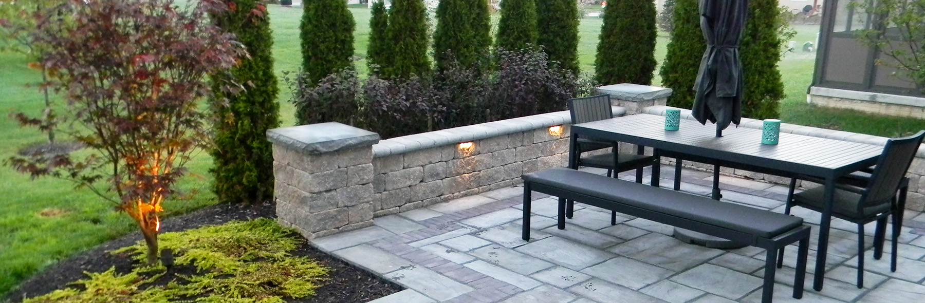 paver-patio-with-lights
